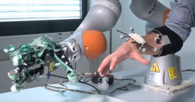 Robotic Hand Combines Amputee and Robotic Control for Assistive Solution
